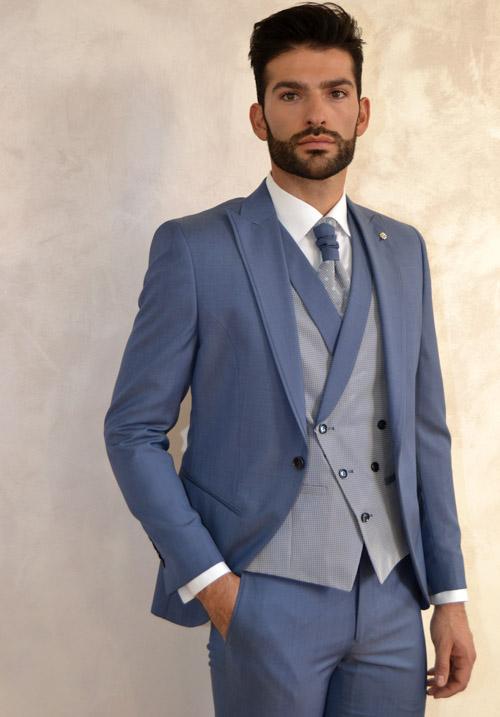 traje de novio azul claro de roberto vicentti