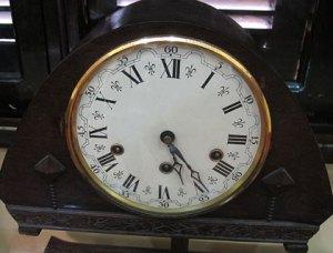 Đồng hồ để bàn phát minh tuyệt vời