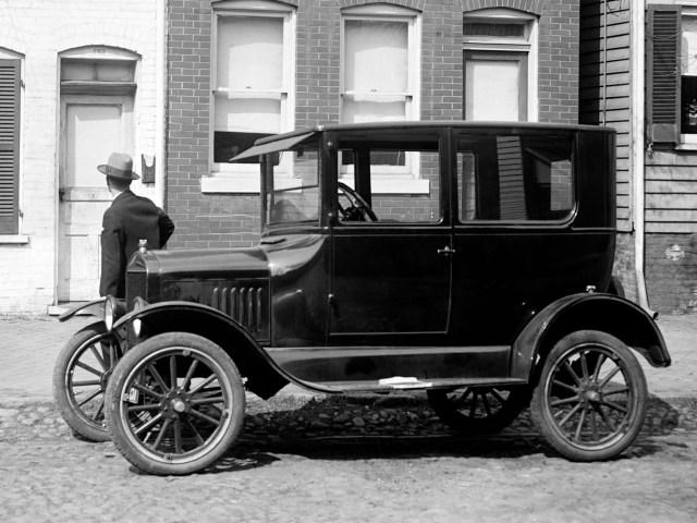 autowp_ru_ford_model_t_tudor_sedan_4
