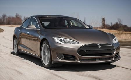 Hackers shut down a moving Tesla Model S