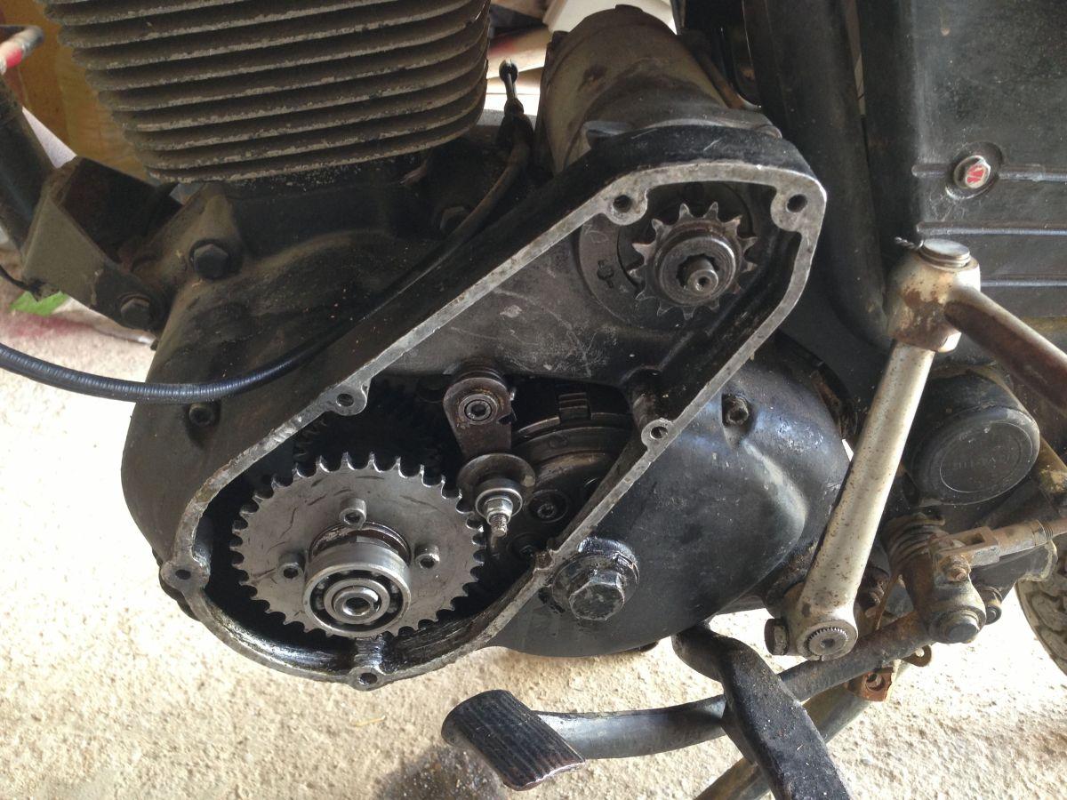 Arrancar moto clásica