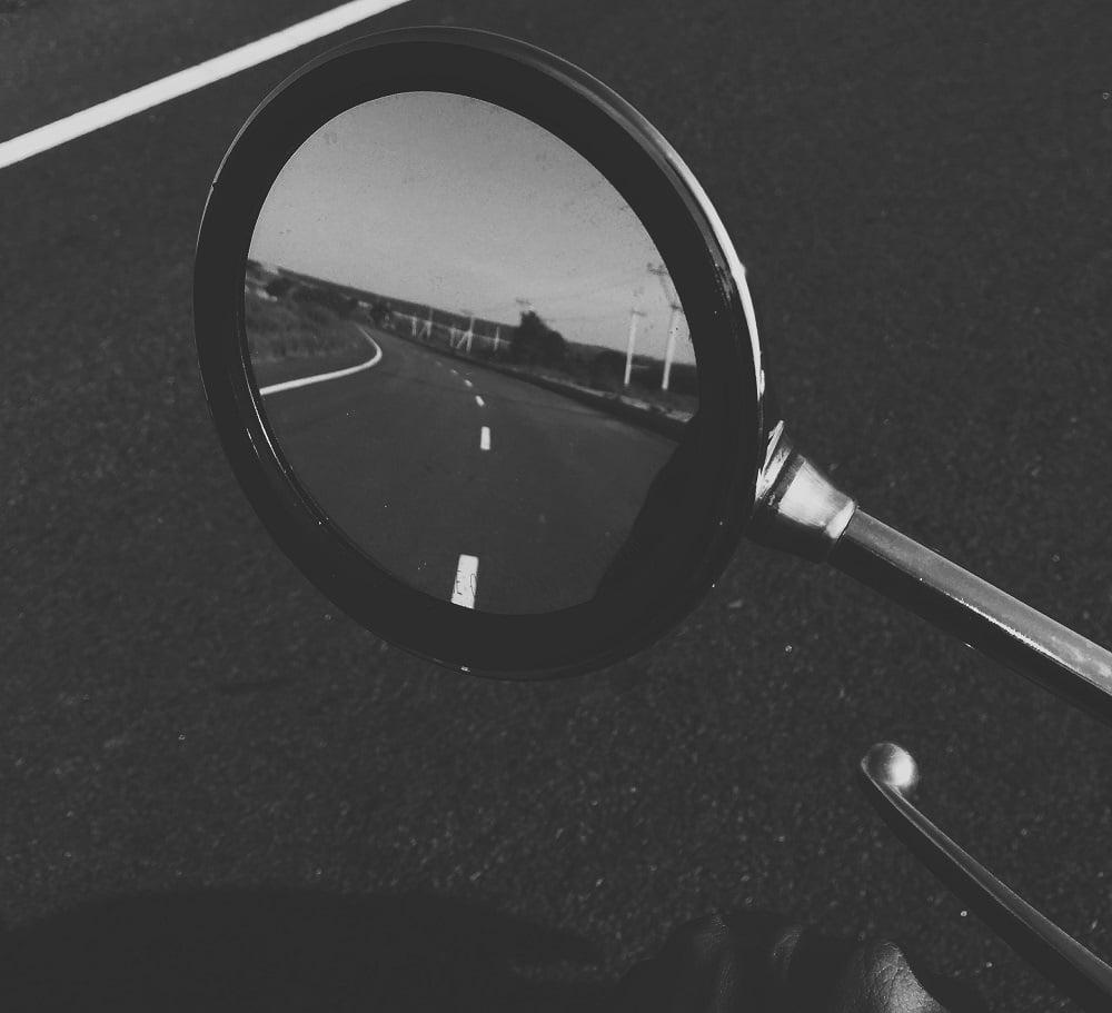 cambiar espejos moto