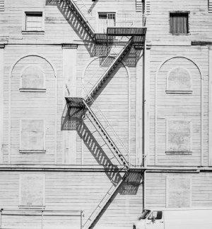 82005 LA Building, CA 1982