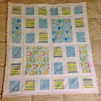 2 baby blankets and a few blocks (1/6)