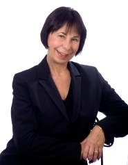 Donna Dahl is an empowerment coach, inspirational speaker and writes books on self-empowerment.