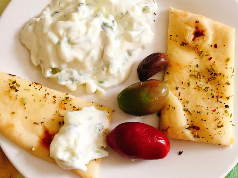 Tzatziki Sauce With Herbed Naan