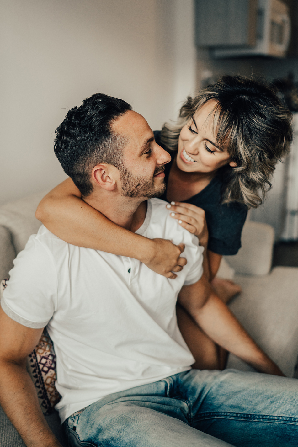 candid nyc engagement photos