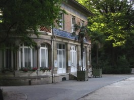 community space in Luxembourg Gardens