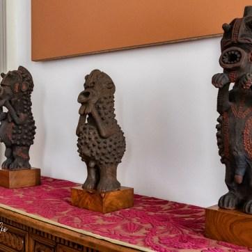 Alcune statue con volti apotropaici