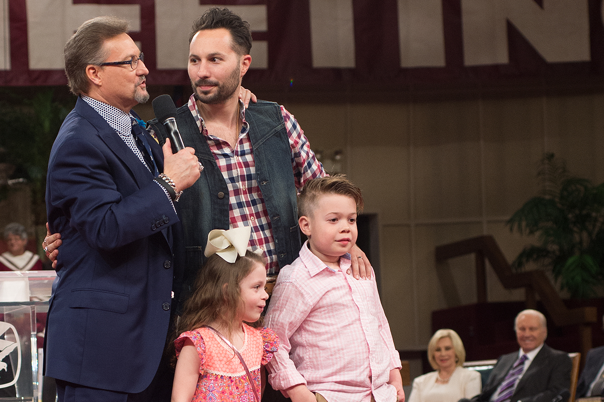 Donnie Swaggart Family - Exploring Mars