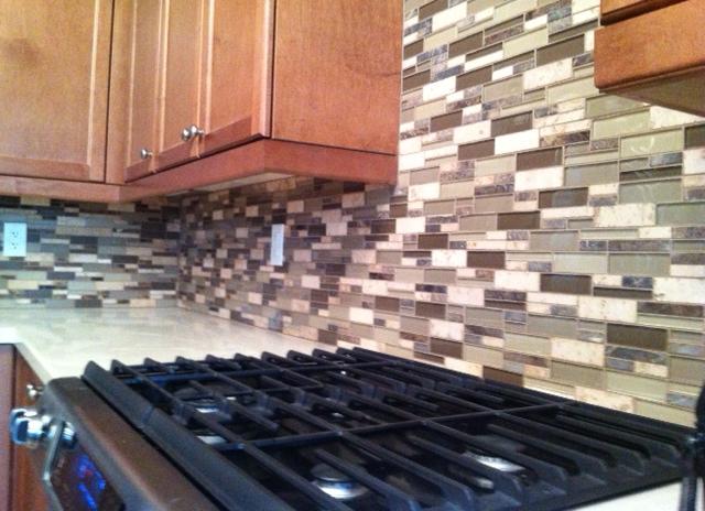 glass stone mosiac kitchen backsplash