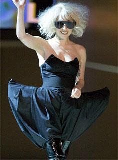 roupas 20de 20lady 20gaga1 Roupas da Lady Gaga, o que a cantora usa?