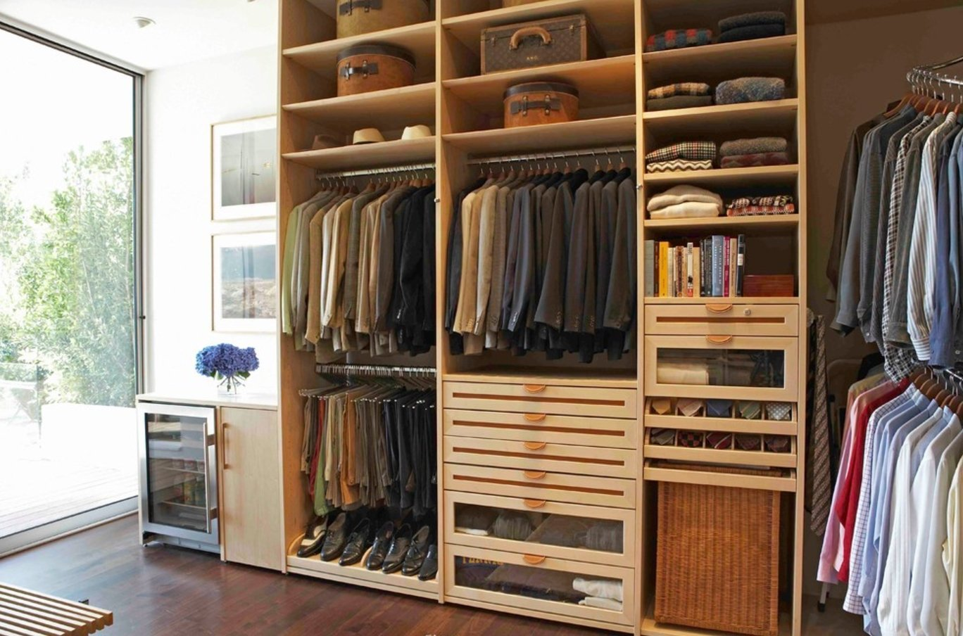 Closet Style The Difference Between Walk In Reach In