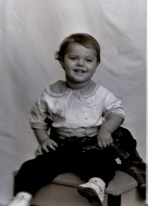 Photo of Howard Farr, Jr., circa 1937
