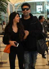 candid-photo-of-suhana-daughter-of-shah-rukh-khan-and-karan-640x920-e1466692237970