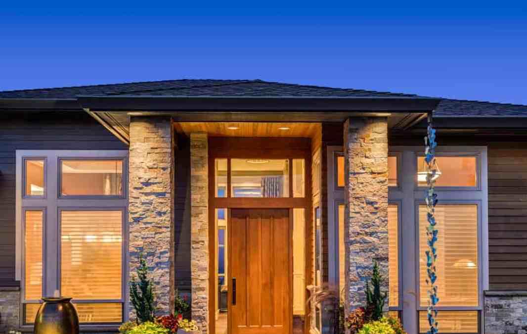 Entrance Elegance: Divine Doors for Decoration