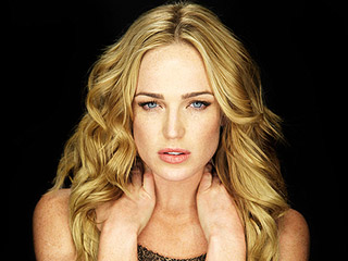 the_pact-caity-lotz_320