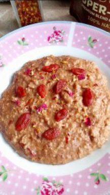 Rich chilli chocolate goji berry porridge Breakfast vegan