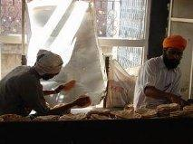 BANISH HUNGER WITH POWER OF DEVOTION IN THE SIKH'S WAY (6/6)