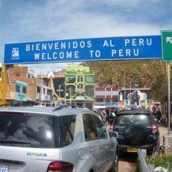 Desaguadero Bolivia Peru border control Don't Stop Living