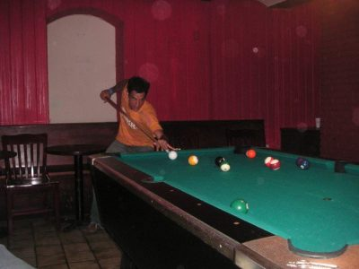simon wins the international pool competition new york aces and eights