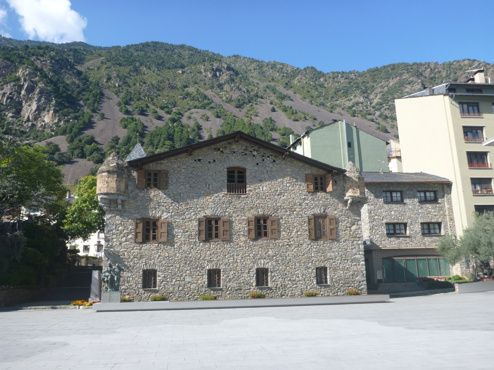 The apartment has 1 double room and 1 twin room and a bathroom. Backpacking in Andorra: Top 10 Sights in Andorra La Vella ...