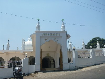 Jamil Masjid is the city centre's most obvious Mosque