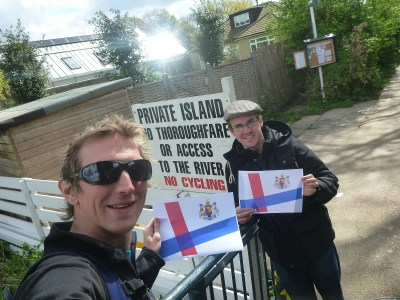 Millwall Neil and I at the entrance to Eel Pie Island