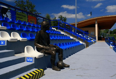Kazimierz Deyna statue in the Stadium named after him