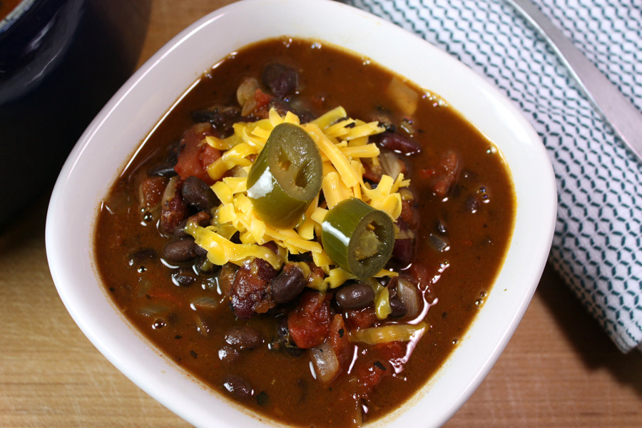 Vegetarian Chili - So easy and delicious you won't even miss the beef!