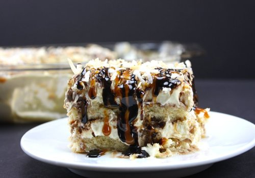 No Bake Samoa Cake - This is coconut, chocolate, caramel and shortbread cookie HEAVEN!