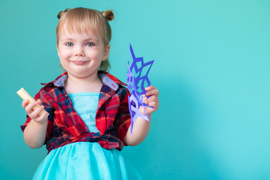 Toddler Craft: Paper Snowflakes