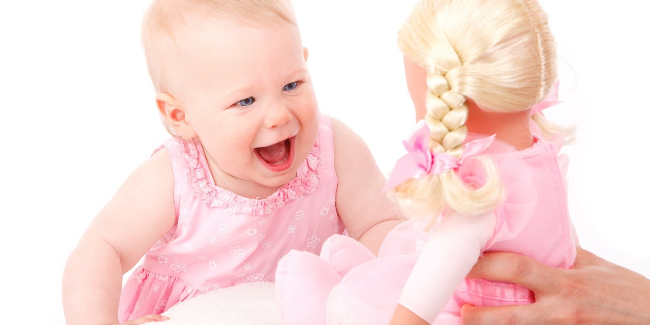Pink Stinks: Is it a bad thing that little girls like pink?