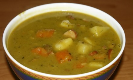 Traditional Dutch Pea Soup ('Snert')