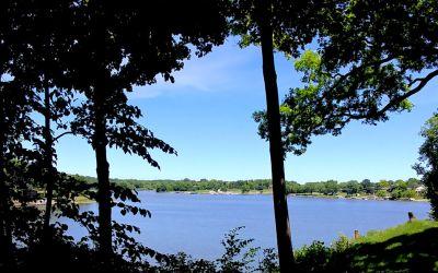 1557 Lake Holiday Dr.