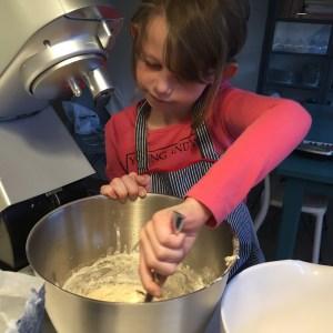 Prinsessen laver pizzadej