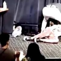 L'attore sviene sul palco, portato in ospedale scopre di essere positivo al coronavirus