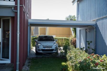 Carport direkt am Haus.