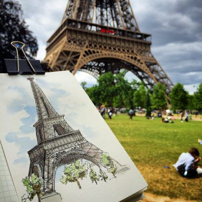 Doodlewash and watercolor urban sketch of Eiffel Tower in Paris by César Rodríguez