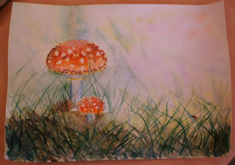 I wanted to try painting a mushroom and here is my result 1DSC01008