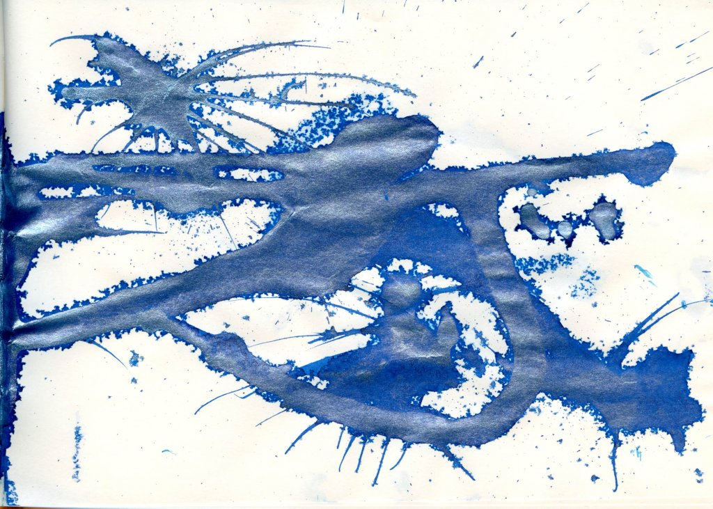 abstract ink blot example of Kyanite du Népal