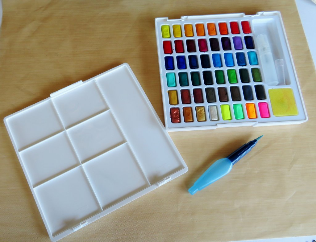 Faber-Castell Creative Studio Watercolor set Lid Unhinges for mixing
