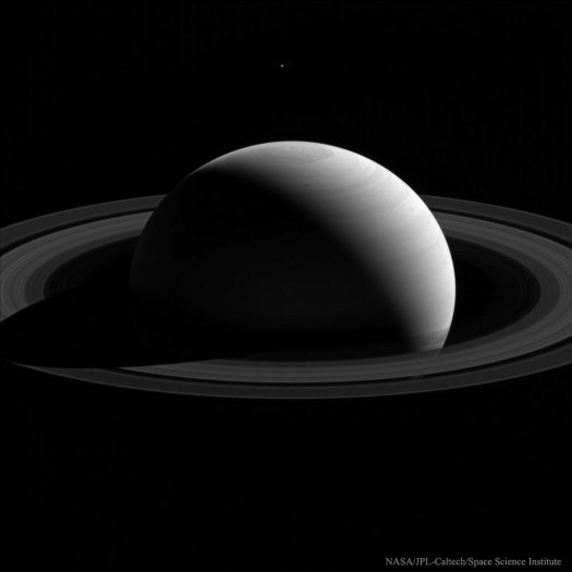 BehindSaturn_Cassini_1024