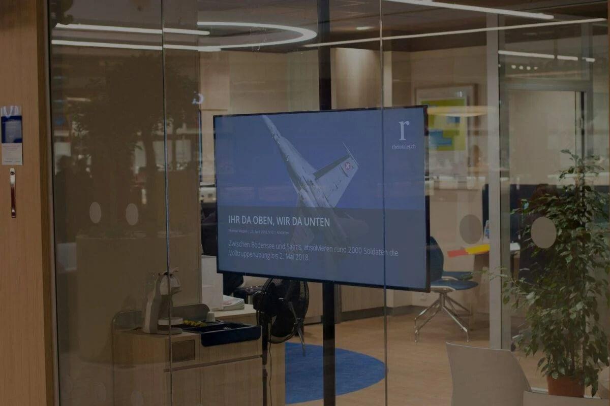 Infoboard in Büro Mitarbeiterkommunikation