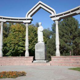 Panfilov Park - Statue of Kurmanjan