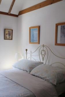 160814-Deal-BNB-Bedroom