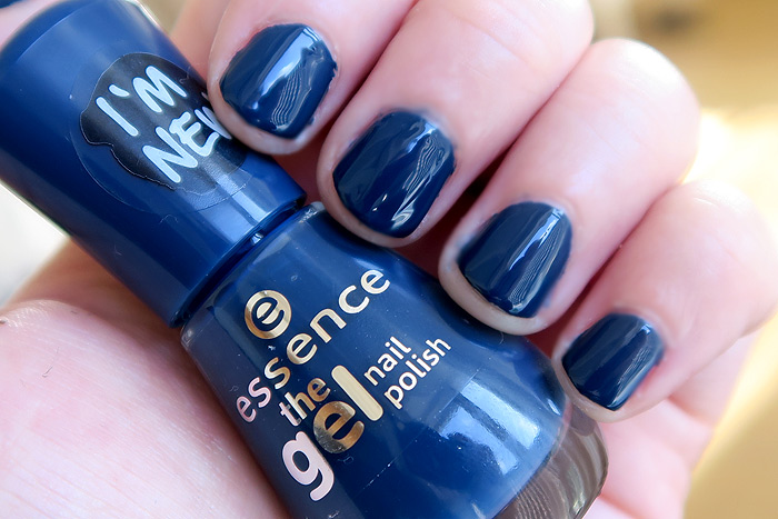 essence royal blue