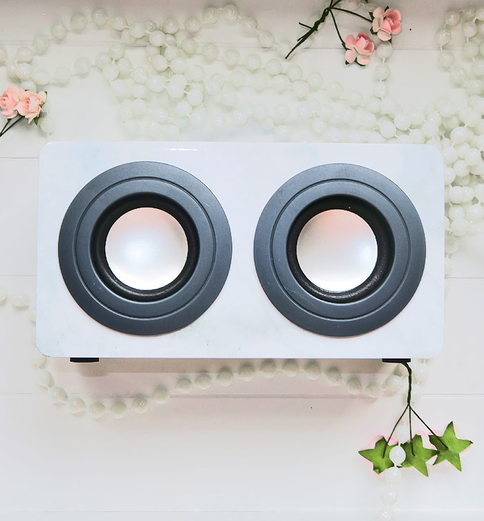 marmeren portable speaker action
