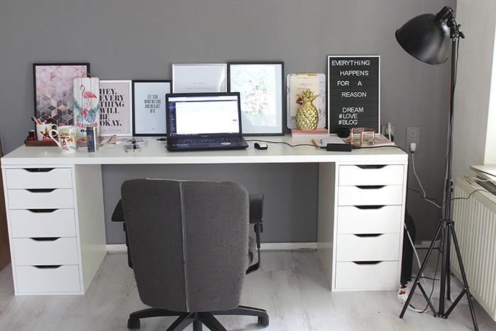 Werkplek in mijn nieuwe huis met ikea bureau en alex kastjes