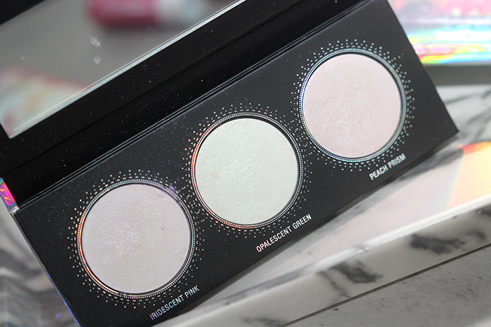 love illusion holographic highlighter palette 1